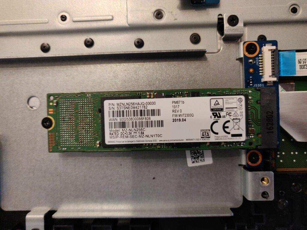 HP 15-ay045ng Solid State Drive (SSD)